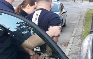 Taksówkarz zatrzymał pijanego kierowcę