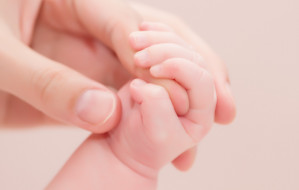 Mała Iza trafi do rodziny zastępczej. Sąd wydał postanowienie