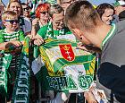 Lechia Gdańsk wciąż nienasycona. Piłkarze spotkali się z kibicami na Ołowiance