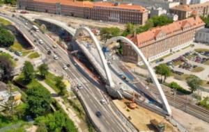 Skomplikowana budowa wiaduktu Biskupia Górka na półmetku