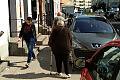 Piesi muszą dzielić się nowym chodnikiem z autami. Miasto lekceważy wynik konsultacji społecznych