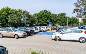 Gdynia: parkingi poza centrum, ale blisko SKM