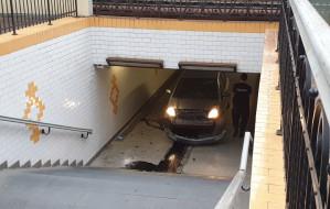 Pijany i po narkotykach wjechał w tunel na Monciaku