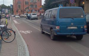 Niebezpieczna droga rowerowa przy dworcu PKP w Gdańsku