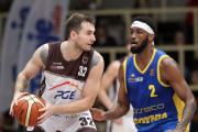 PGE Spójnia Stargard - Asseco Arka Gdynia 65:76. Trójki ustawiły mecz koszykarzy