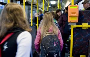 Dodatkowy miesiąc na przedłużenie bezpłatnych przejazdów dziecku