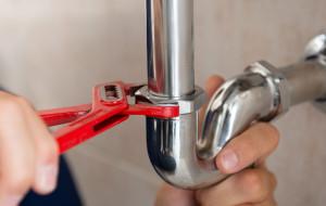 Bezpłatnie naprawią drobne usterki w domach seniorów