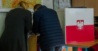 Ostatnie sondaże przed niedzielnymi wyborami