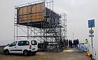 Nietypowa konstrukcja na bulwarze w Gdyni udaje torpedownię