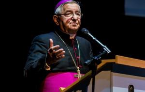 Arcybiskup Głódź gościem konferencji o godności człowieka
