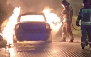 Nocny pożar samochodu na Chełmie