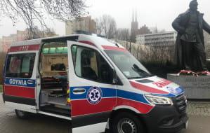 Gdynia: ambulans z Budżetu Obywatelskiego w stacji pogotowia