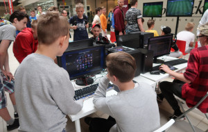 """Gaming Weekend ze """"Zwykłym Kibicem"""" w Galerii Metropolia"""