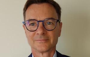 Arka Gdynia ma nowego prezesa. Radomir Sobczak podpisuje i rozwiązuje kontrakty