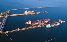 Więcej paliw, mniej drewna. Port Gdańsk czwarty na Bałtyku