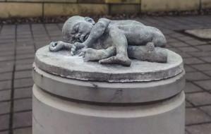 """Kolejna rzeźbiarska """"samowolka"""" w przestrzeni Gdyni"""