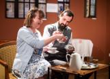 """Brytyjska komedia z filiżanką herbaty. """"Friendly Relations"""" Maybe Theatre Company"""