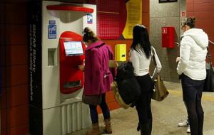 SKM unowocześnia biletomaty. Płatność kartą w każdym urządzeniu