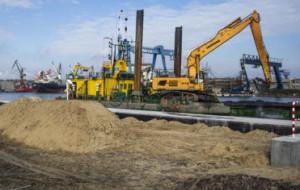 Polski Hak: zmiany na nabrzeżach, zmiany na lądzie