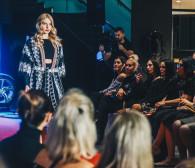 Dzień kobiet z Mercedesami, modą i prosecco