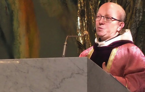 Trójmiejscy księża zbierają pieniądze dla szpitali