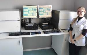 UG przekazuje sprzęt do wykrywania koronawirusa