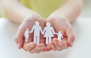 Więcej rodzin w potrzebie. Gdzie po pomoc w czasie pandemii?