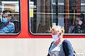 Trzy typy (nie)noszących maski w komunikacji