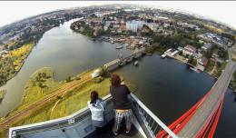 Kod: Dachowiec. Co widać z pylonu mostu im. Jana Pawła II?
