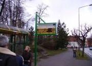 Pasażerowie poczekają na elektroniczne tablice