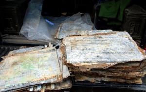 Wyjątkowe znalezisko w Brzeźnie: aluminiowe matryce z II wojny do drukowania map