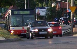 Miejskie autobusy łamią przepisy ruchu drogowego