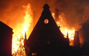 Nocny pożar dawnych zakładów mięsnych