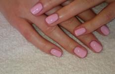 manicure hybrydowy z peelingiem, masażem i kremomaską