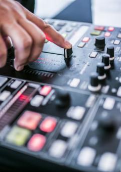 Muzyczne piątki z DJ Boris Beloved