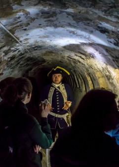 Fort Nocą - spacer po niedostępnych zakątkach Góry Gradowej
