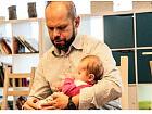 Muzealne zmysły: Pielęgnacja niemowlęcia - zajęcia rozwojowe dla niemowląt z opiekunem