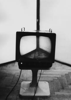 ZOOM na lata 70. sztuka konceptualna.