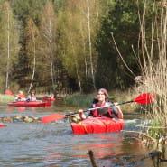 Spływ kajakowy meandrami rzeki Redy (pierwszy w tym roku)
