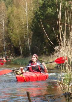 Spływ kajakowy dzikimi meandrami rzeki Redy