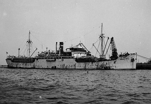Morska Wola jeszcze przed przebudową na statek-bazę dla kutrów rybackich. To ona dogoniła Cietrzewia, gdy ten próbował uciec do Anglii.