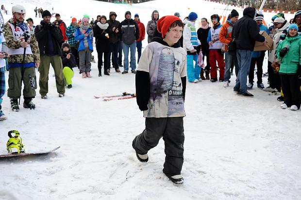 Mimo wiosennej aury 10 marca w ośrodku Zielona Brama w Przywidzu odbędą się zawody narciarskie dla dzieci.
