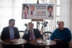 Prezydent Gdyni Wojciech Szczurek i ambasadorowie Gdyńskiego Poruszenia: dziennikarz TVP Michał Adamczyk i aktor Joachim Lamża.