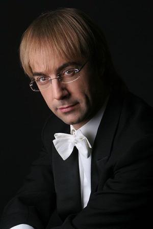 Wielkim wydarzeniem festiwalu będzie Gala wokalna z udziałem solistów  Teatru Mariinskiego z St. Petersburga oraz Orkiestry PFB, którą poprowadzi  włoski dyrygent Fabio Mastrangelo.