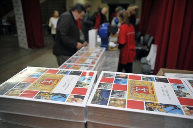 Fundacja Gdańska, dzięki sukcesowi, jaki odniosła Encyklopedia Gdańska, powołała nowe miejskie wydawnictwo Oficyna Gdańska.