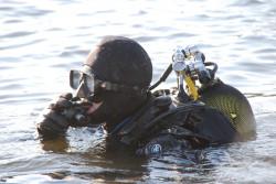 Nurkowie-minerzy najpierw muszą rozpoznać co znaleziono na dnie Morza Bałtyckiego.