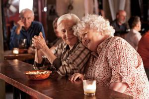"""""""Cloudburst"""" to pogodne kino drogi opowiadające o perypetiach pary starszych pań."""