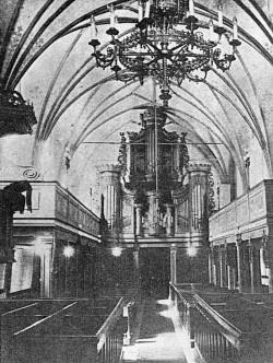 Protestancki wystrój kościoła św. Elżbiety. Reprodukcja fotografii z  Geschichte der ev. Garnisonkirche (St. Elisabeth) zu Danzig , F. Schmidt, 1941 r. Ze zbiorów Andrzeja Januszajtisa.