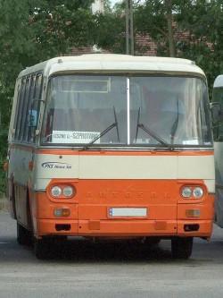 Autosan H9-21. Tej marki autokar rozbił się w Kokoszkach.