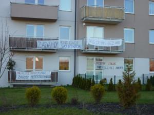 Choć od wielu miesięcy mieszkańcy Łostowic protestowali przeciwko budowie kościoła przed ich domami, do konsultacji w sprawie wysokości kościelnej wieży poszło niewielu z nich - nieco ponad 160 osób.